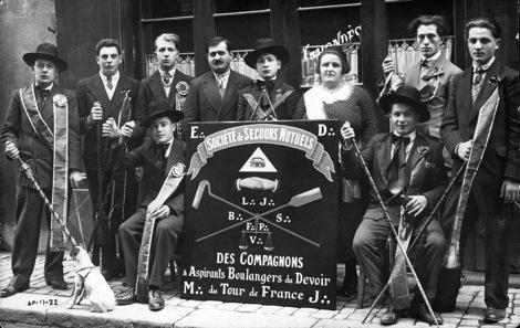 Enseignes des Compagnons boulangers 1890-1940.
